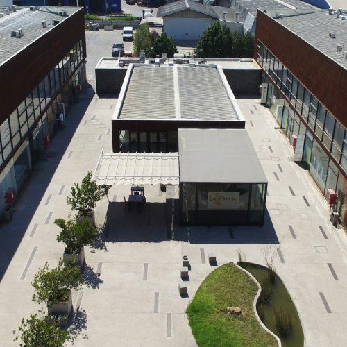 Frontis Casa Nor-Oriente: Centro Comercial y Empresarial